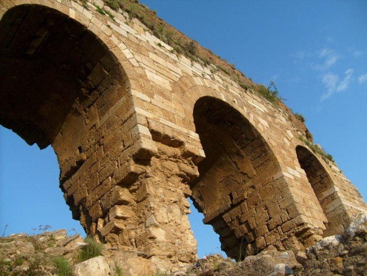 Tralleis Antik Kenti (Üç Gözler) Hakkında Bilgiler aydin tralles