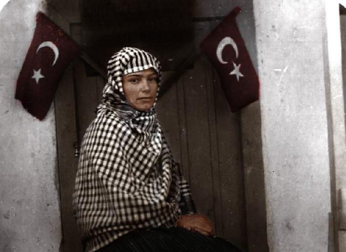 Türkiye'nin ilk kadın muhtarı Gül Esin