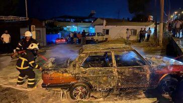 Söke'de park halindeki otomobil  yandı sokede park halindeki otomobil yandi KsnJhjIO