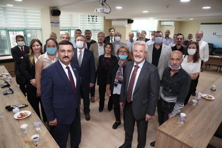 Turgay Erdem'den İYİ Parti'ye 'hayırlı olsun' ziyareti AW127086 02