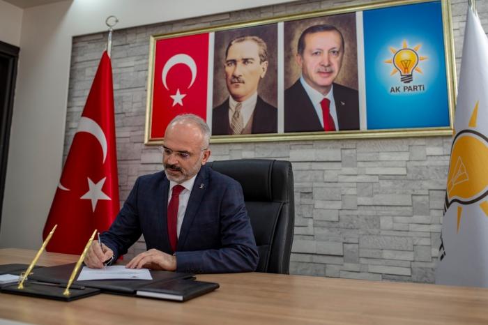 AK Parti Efeler İlçe Başkanı Elbir, güven tazeledi efeler ilce baskani elbir guven tazeledi