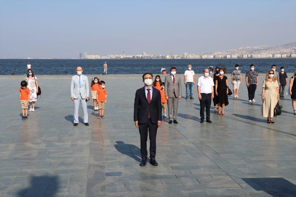 İzmir'de yeni eğitim öğretim yılının başlaması dolayısıyla tören düzenlendi izmir de egitiim ogretim basladi 1