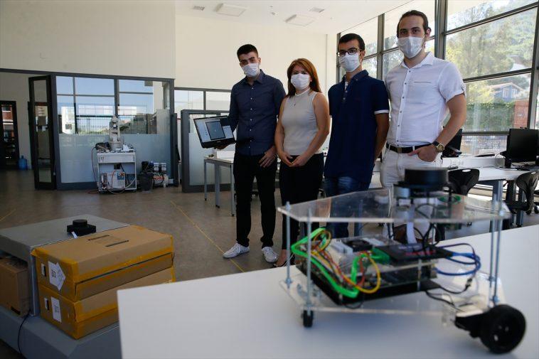 İEÜ'de kendi rotasını belirleyen otonom robot geliştirildi izmir ekonomi universitesi