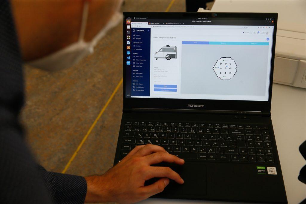 İEÜ'de kendi rotasını belirleyen otonom robot geliştirildi izmir ekonomi universitesi yapay zeka