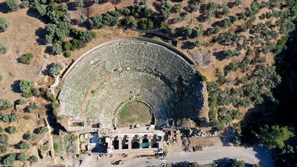 Aydın'daki Nysa Antik Kenti'nin tiyatro binası ayağa kaldırılıyor nysa antik kenti 15