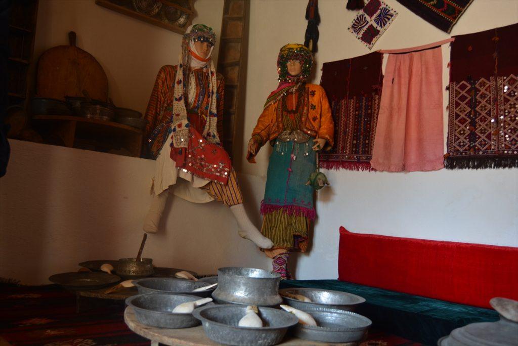 Soma'da kültür evi açıldı soma da kultur evi acildi 1