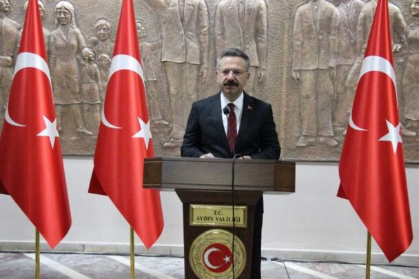 Aydın'da 29 Ekim Cumhuriyet Bayramı kutlandı aydinda 29 ekim cumhuriyet bayrami kutlandi nOHmaNuX
