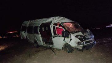 Kontrolden çıkan minibüs takla attı: 5 yaralı kontrolden cikan minibus takla atti 5 yarali iN7BaAO7