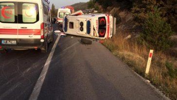 Özel ambulans takla attı 2 kişi yaralandı ozel ambulans takla atti 2 kisi yaralandi cLU9rxX7