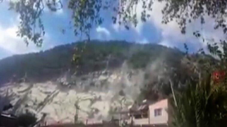 Söke'de deprem sırasında taş ocağından kopan kaya parçaları korkuttu sokede deprem sirasinda tas ocagindan kopan kaya parcalari korkuttu BbXnTzYI