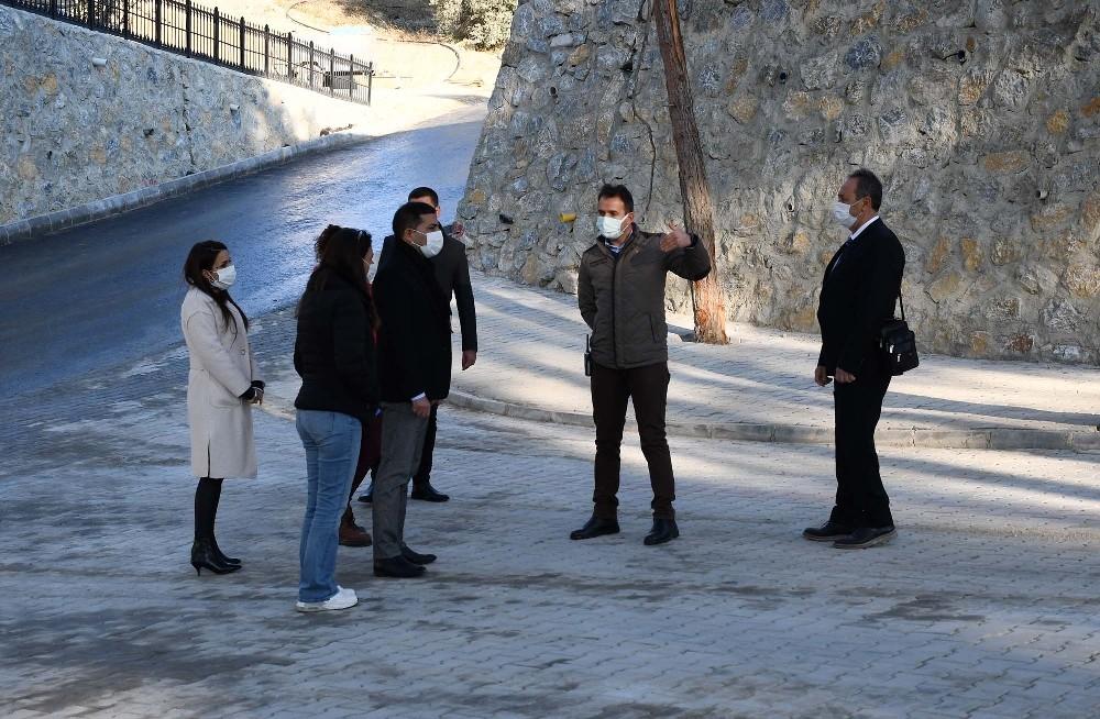 Kuşadası Yeni Asri Mezarlık'ta çalışmalar son aşamaya geldi kusadasi yeni asri mezarlikta calismalar son asamaya geldi 3 PbNMqh3J