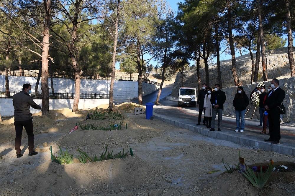 Kuşadası Yeni Asri Mezarlık'ta çalışmalar son aşamaya geldi kusadasi yeni asri mezarlikta calismalar son asamaya geldi 4 wHF4b6kn