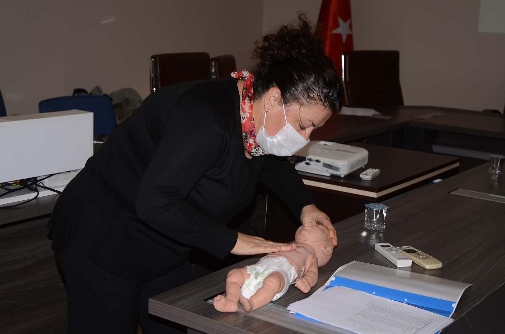Kuşadası'nda belediye personeline ilk yardım eğitimi verildi kusadasinda belediye personeline ilk yardim egitimi verildi 3 PDScms1j