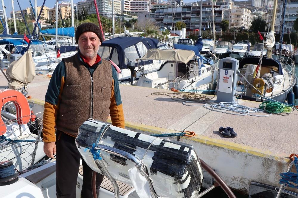 Tsunamiden zarar gören tekne ve yatlar Kuşadası'na getirildi tsunamiden zarar goren tekne ve yatlar kusadasina getirildi 10 3e5DZnHD