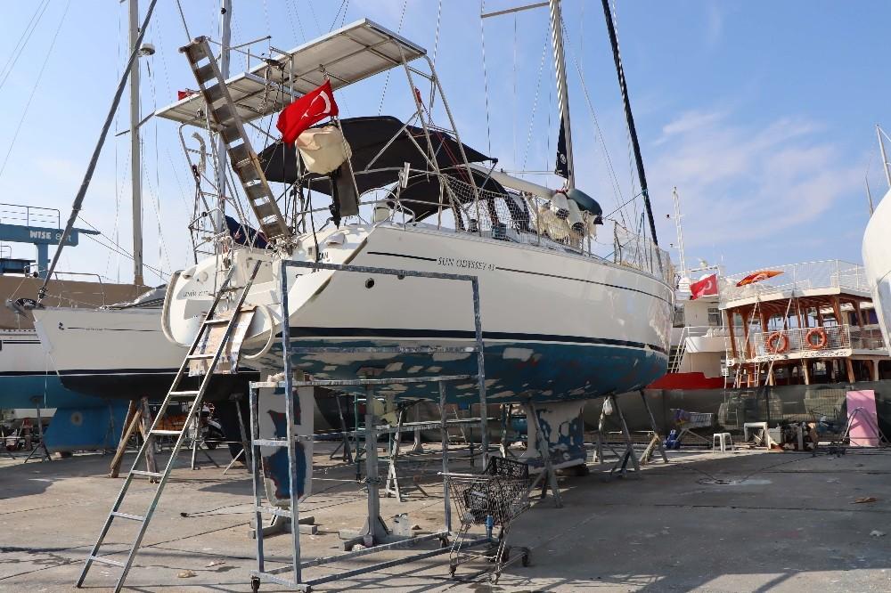 Tsunamiden zarar gören tekne ve yatlar Kuşadası'na getirildi tsunamiden zarar goren tekne ve yatlar kusadasina getirildi 7 Q8AEVWXu