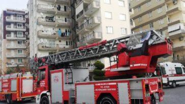Balkondan atlamak isteyen genç kadın hastaneye kaldırıldı balkondan atlamak isteyen genc kadin hastaneye kaldirildi 1lusbeHx